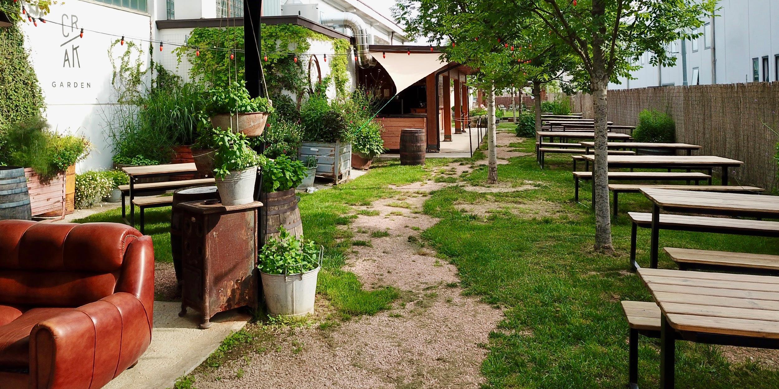 Crak Garden tap room con giardino